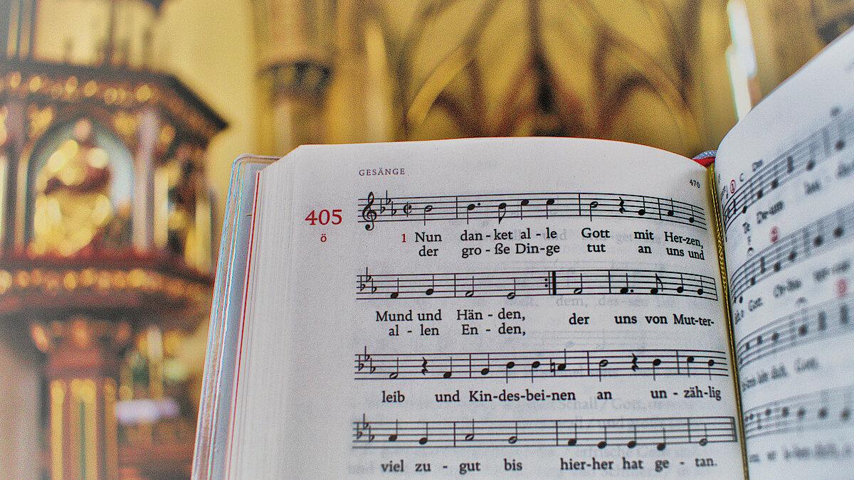 Weihnachtslieder Kirche.Weihnachtslieder Absingen 2018